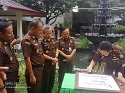 Berkunjung  ke  Medan Jaksa Agung  Tak Ingin  Banyak  Lapdu dari Sumut  Terkait Jaksa Nakal