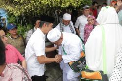 Wali Kota Pematangsiantar Berangkatkan 65 Jamaah Umroh