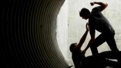 Menganiaya Sambil Mabuk, Terdakwa Dihukum 10 Bulan