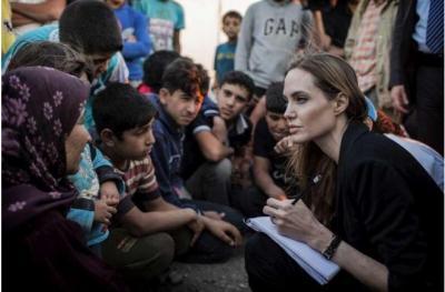 Angelina Jolie Akhiri Kunjungan di Kamp Pengungsian Sebelum Serahkan Rp12,8 T