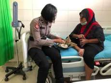 Kapolda Sumut Bantu Pemulung Penderita Kanker