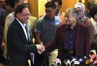 Mahathir Mengundurkan Diri