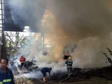Gudang Eks Pengolahan Kayu di Tapian Dolok Sinaksak Terbakar