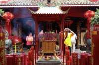 Tujuh Tradisi yang Biasa Dilakukan Saat Imlek