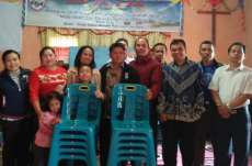 Asosiasi Pendeta Indonesia Sumbang Kursi ke GSJA Tiga Panah