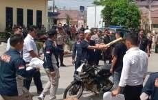 Polres Tebingtinggi Rekonstruksi  Pembunuhan Reza Sinaga, Korban Dipukul dengan Kayu