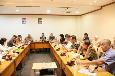 DPRDSU Bahas Ranperda Ketenagakerjaan yang Menjamin Hak Pekerja Rumahan