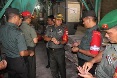 Tim Sergap Mabes TNI-AD Cek Stok Gabah di Wilayah Teritorial Kodim 0209/LB