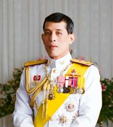 Wabah Corona, Raja Thailand Isolasi Diri Bersama 20 Selir
