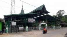 Kedamaian Muslim dan Warga Dayak di Bawah Masjid Pusaka Tabalong