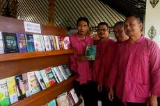 """Cara """"Gila"""" Komunitas Di Magetan Tularkan Literasi"""