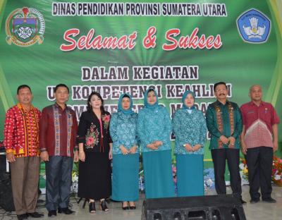 Ujian Kompetensi Keahlian Nasional Siswa SMKN 8 Medan Dihadiri Ny Nawal Edy Rahmayadi