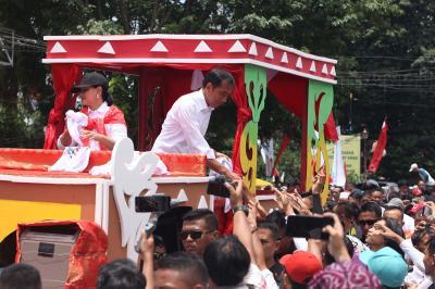Kampanye di Palembang, Jokowi Banggakan Kekuatan TNI