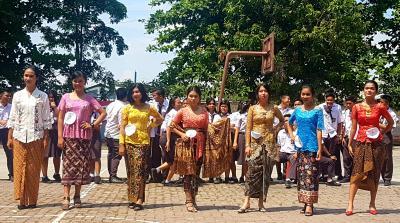 Peringati Hardiknas, SMP dan SMA Swasta Santo Thomas 3 Gelar Upacara dan Berbagai Lomba