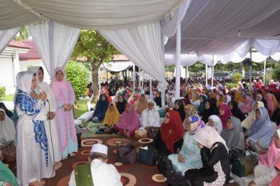 Ribuan Kaum Muslimin Padati Pengajian di Rumdis Bupati Deliserdang
