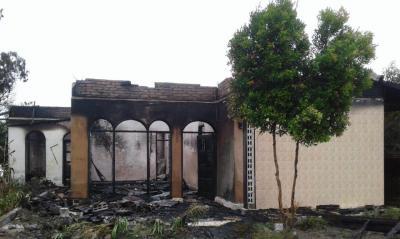 Dua Rumah Hangus Terbakar di Desa Mangan Molih Dairi