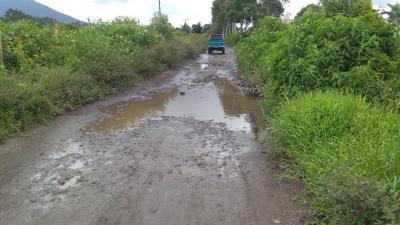 Rusak Parah, Masyarakat Harapkan Pengaspalan Jalan Banua Menuju Bandar Purba