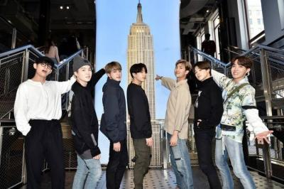 Empire State Building New York Gunakan Cahaya Ungu Sambut BTS