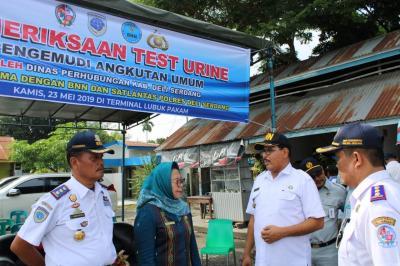 Jelang Lebaran BNNK Deliserdang Test Urine Supir, 4 Supir Positif Narkotika