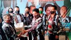 DPD IPK Dairi Bantu 250 Paket Bahan Pangan Kepada Kader