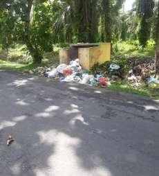 Bak Sampah Menumpuk di Jalan Tusam Kisaran Timbulkan Aroma Tak Sedap