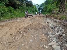 Jalan Menuju Desa Pulo Pakkat dan Sihiong Tapteng Rusak