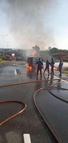 Mobil Box L-300 Terbakar di Jalan Tol Belmera Km 19.100