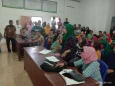 Ratusan Warga Desa Banjar Asahan Datangi Kades Pertanyakan BLT DD