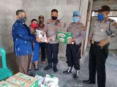Polsek Medan Area Bagikan Sembako kepada Sekum PGI Wilayah Sumut