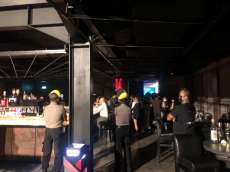 Langgar Protokol Kesehatan Covid-19, Polisi Bubarkan Pengunjung Shoot Bar