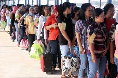 Puluhan Penduduk Nagori Dolok Marlawan Bekerja di Malaysia