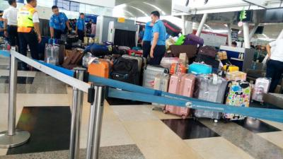 "Peralatan BHS Rusak, Pemeriksaan Bagasi Penumpang di Bandara Kuala Namu ""Kacau Balau"""