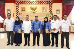 Bupati Tapsel Serahkan 189 SK Kepada CPNS Formasi Umum dan Formasi Khusus