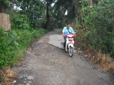 Jalan Demokrasi dan Jalan Sumber Jaya II P Siantar Rusak Parah