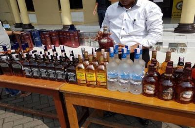 Polisi Gagalkan Penjualan Minuman Keras  Jelang Malam Lebaran