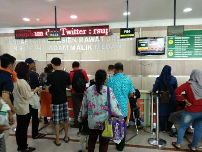 """RS Adam Malik dan Pirngadi """"Diserbu"""" Pasien Rawat Jalan"""