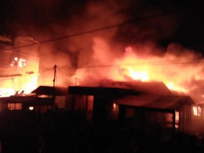 12 Rumah Terbakar di Pasar Lama Sidikalang
