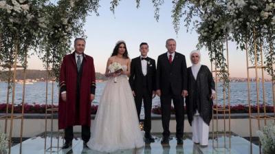 Erdogan Jadi Pendamping di Pernikahan Mesut Oezil