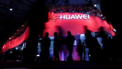 Google Boikot Huawei, Pasar iPhone di China Terancam?